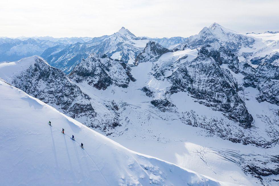 Enander och Hargin tjuvstartar skidsäsongen i Engelberg