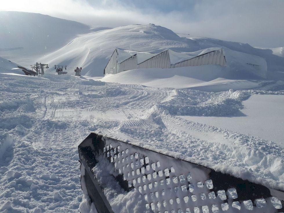 Sommarskidåkningen är säkrad - 11 meter snö i Fonna