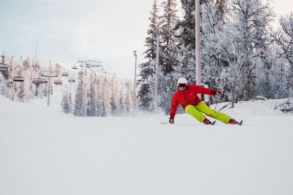 Skidtest 2020: Vinterns bästa pistskidor med kort radie