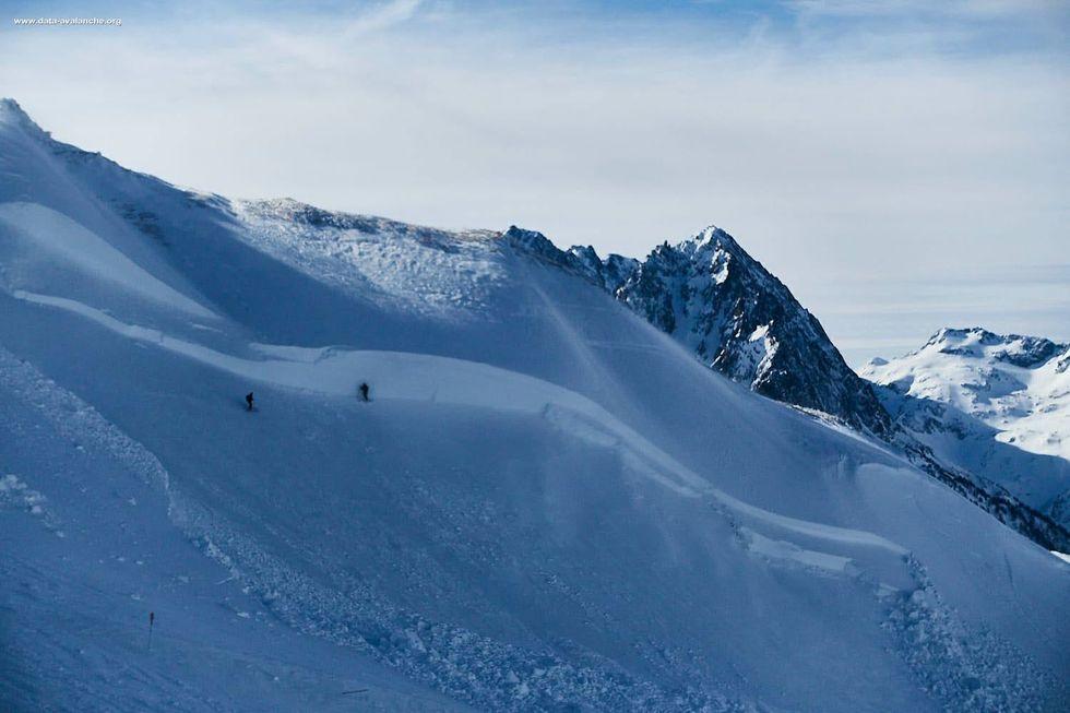 Skidsnack v6 - 4 meters brottkant i Chamonix