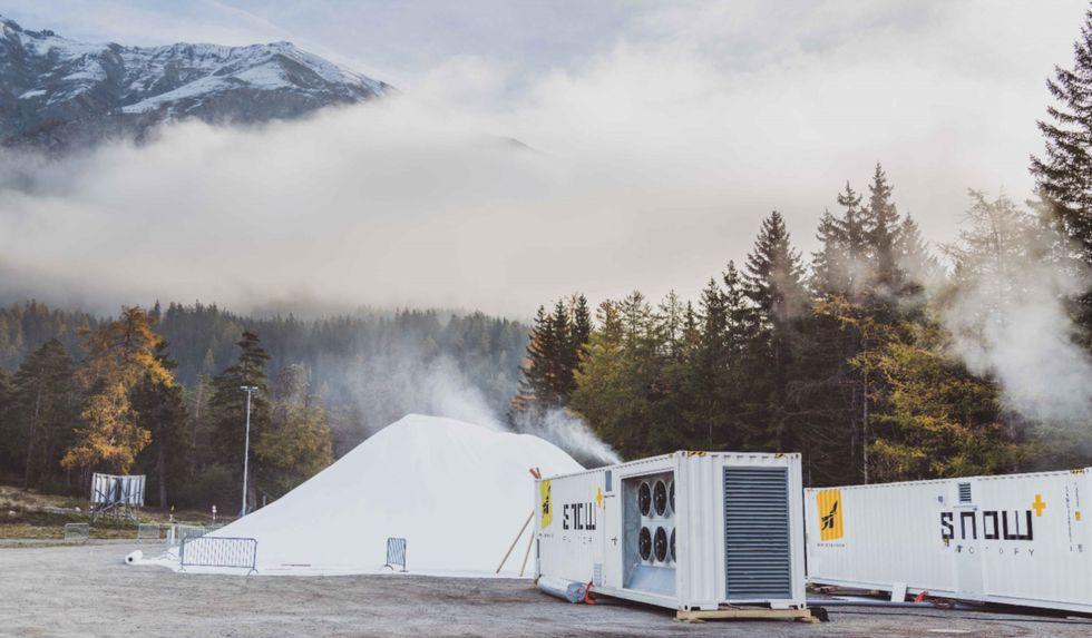 Vallåsen sparar 30 000 kubik snö till jul