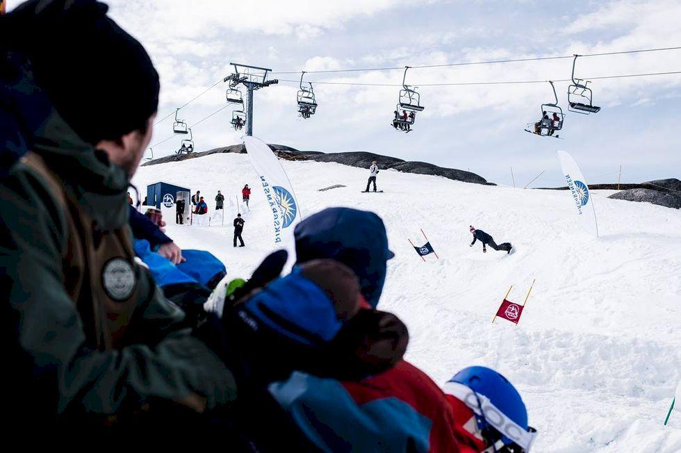 300 deltagare på Riksgränsen Banked Slalom