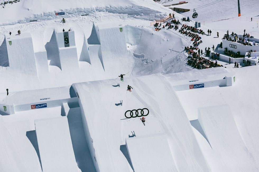 Fusion av slopestyle, skicross och kreativitet