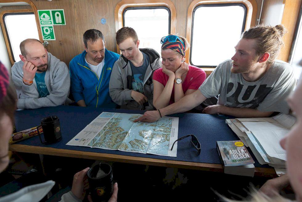Skidåkning på Svalbard – som en björnkram