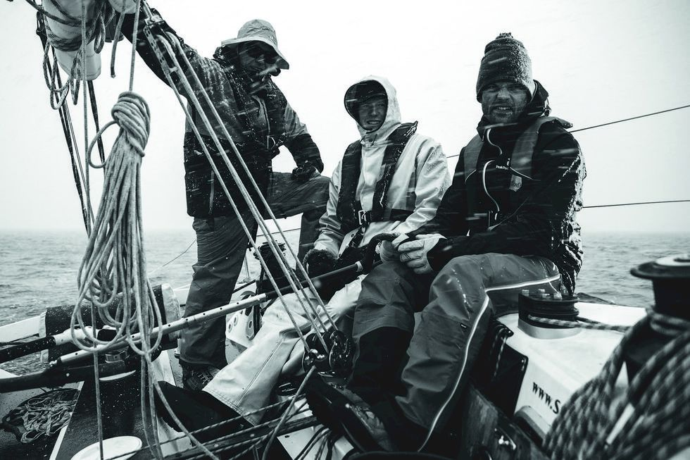 Topptur och segelbåt på Lofoten