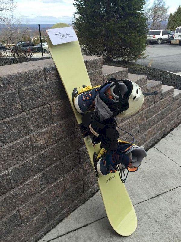 73-åring lämnade sin snowboard på skidort tillsammans med ett brev…