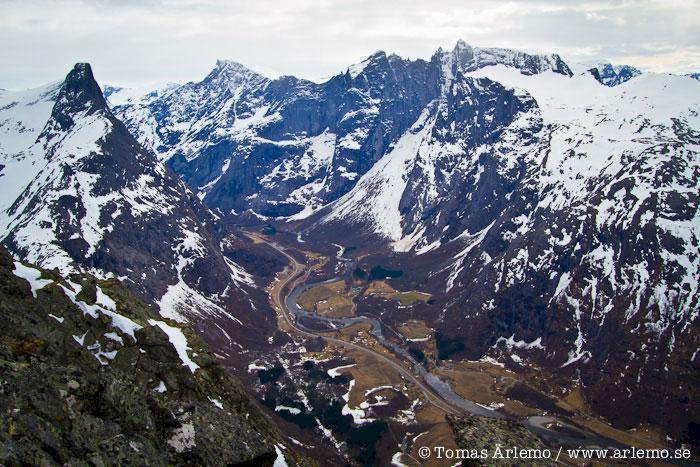 Vårvinter i väst – toppturer i Romsdalen
