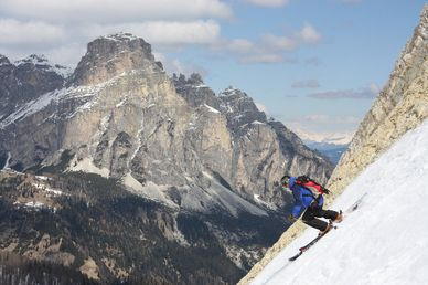 Vertical Way Around: Bovec, Dolomiterna och St Anton