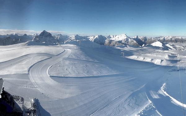Äntligen – nu faller det snö i alperna