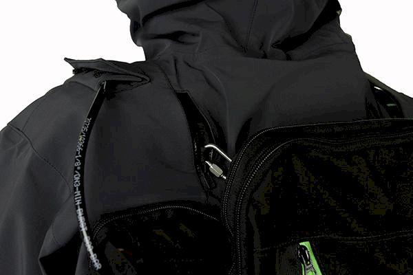 Jackan med inbyggd ABS airbag