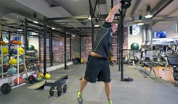 Hargins träningstips: Magövning med hantel