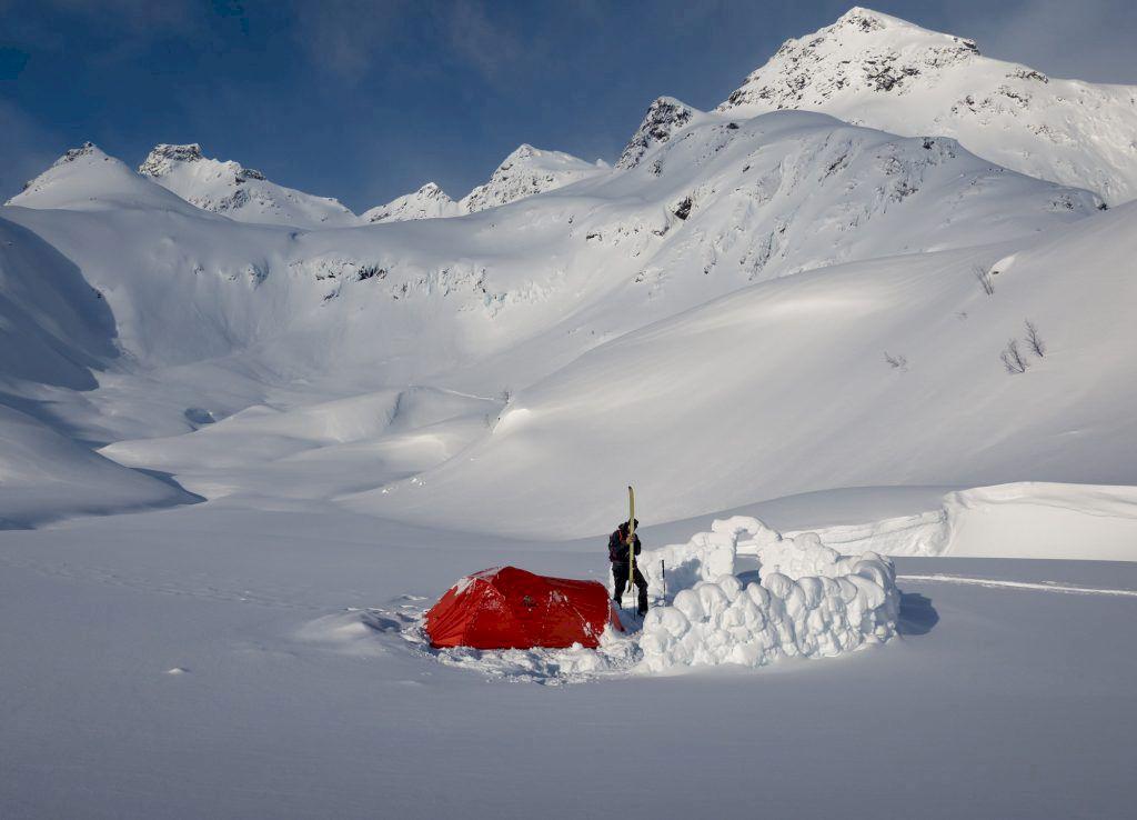 Camp vid foten av åket. Foto: Johan Kristofers