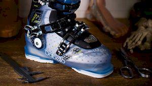 Att utgå från dina fötter och din skidåkning är nyckeln till framgång när du väljer pjäxa. Bild: Åre Skidsport