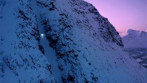 Antti Autti på väg upp i ett av sina arktiska åk. Foto: Jaakko Posti