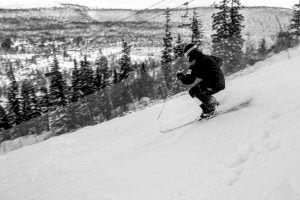 Felix Olofsson på väg mot en pallplats i Deer Valley. Foto: Harald Marbler